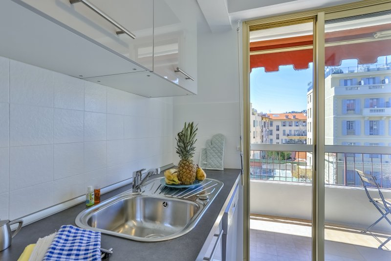 MALAUSSENA · 2 pièces tout neuf avec balcon en plein centre
