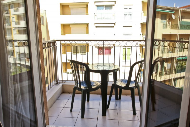 MAGNAN 511 · APPARTEMENT PROCHE MER - PARKING - PISCINE - 511